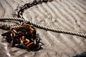 Old rusty chain by oEmmanuele