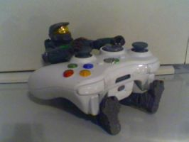 Master Chief playing Xbox360 by DaLegendary360