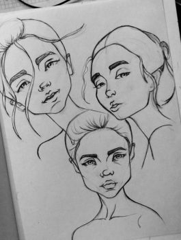 Quick portraits 6 by Mariluri