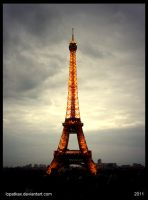 Eiffel Tower by lopatkax