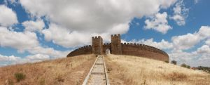 Arraiolos Castle by Roxarah