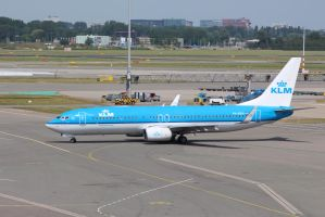 KLM PH-BXH by damenster