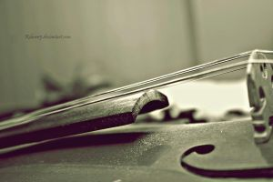 My violin... by Reborn5