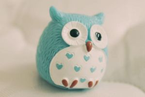 Owl Lipgloss (side) by apparate