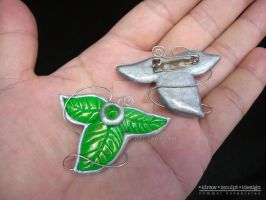 Lee and Lei's Wedding Leaf Brooch by Dinuguan
