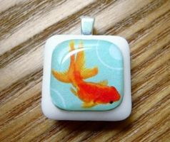 Goldfish Pendant by luminarydreams