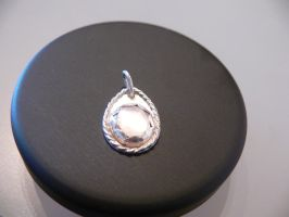 pendant with mother of pearl by irineja