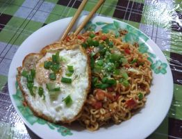 fried noodle by plainordinary1