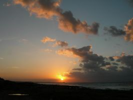 sunset in la Habana by tomegatherion