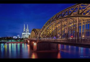 Cologne by pixelimage