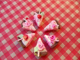 Miniature strawberry cakes by MusicRains
