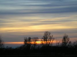 soft clouded sunset by karotte71