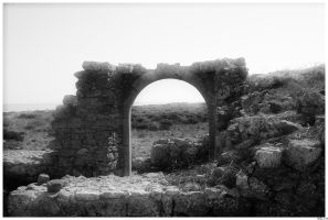 ruined arch by AlixM
