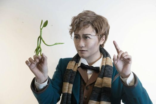 Newt  by Zuoying