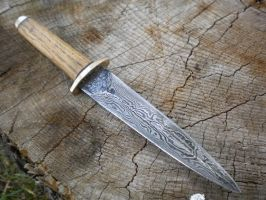 Small damascus dagger by hellize
