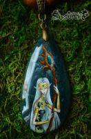 Pendant with handpainted elven sorceress by Shisona