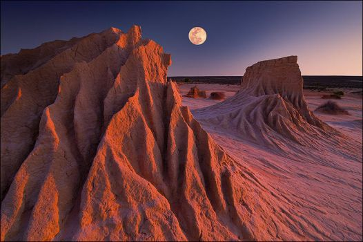moonrise at mungo by elementality