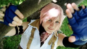 FFXIII- Somehow Smiling by Rose-Curel
