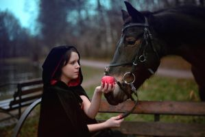 Horse's apple by Narmus