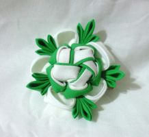 White and green kanzashi clip by EruwaedhielElleth