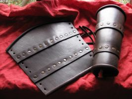 LARP leather bracers by Arnakhat