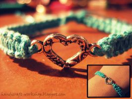 Hemp bracelet with a heart-shaped separator by Panna-Kot
