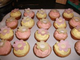 Flower Cupcakes by astateofconfusion