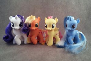 Filly FiM custom ponies, Trixie, Rarity, AJ by hannaliten