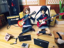 Best Moment Yui and Azusa by WINDEARTFLY