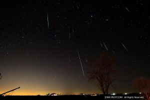 Geminid Meteor shower by CRELLIOTT0302