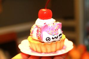 Kawaii kitty cat tart dessert by SprinkleChick