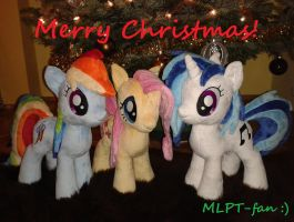 MERRY CHRISTMAS EVERYPONY! by MLPT-fan