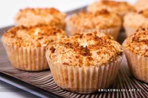 coconut muffins by KowalskiEmil