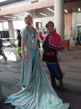 Male Elsa and Anna by universalladyn