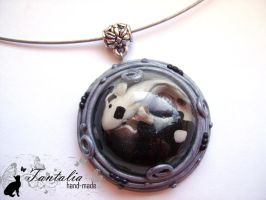 Pendant 'Yin-Yang Fishes' by Tantalia