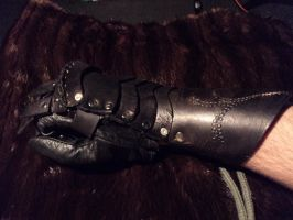 Leather gauntlet WIP update by LeTrefle