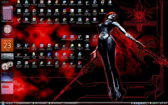 My current freaky desktop by kazumitsu