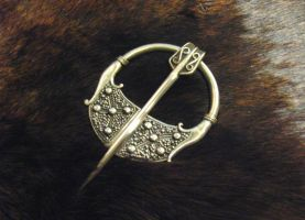 Viking pennanular brooch 1.2 by Aranglinn