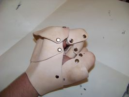glove gauntlet WIP2 by MerrillsLeather