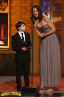 Katie-Holmes awards show by lowerrider