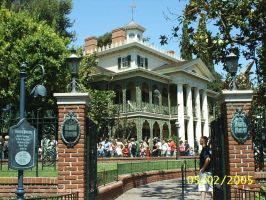 Haunted Mansion by Disneyfan84