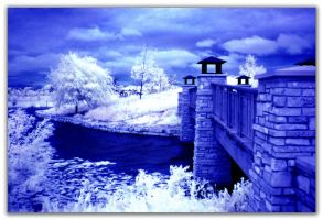 Lake Glen in IR 2 by Zoomwafflez