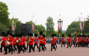 Changing of guards at Buckingham palace by xMandy92x