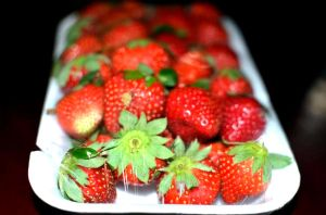 Strawberries at Baguio City by mharieckit