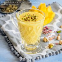 mango lassi with saffron and rose water by Pokakulka