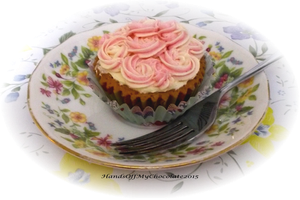 Mini Rose Cupcake by HandsOffMyChocolate