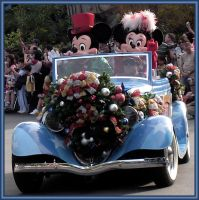 MGM Christmas Parade Mickey 06 by WDWParksGal