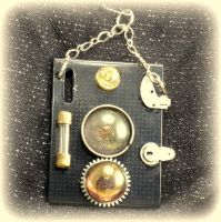 Box camera pendant by Makogoeth