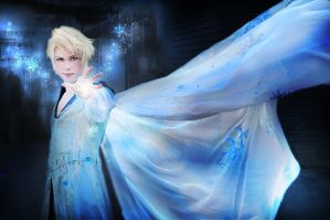 King Elias' Power! (Elsa Genderbend Cosplay) by hakucosplay