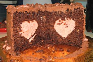 Heart-inside chocolate cake by Diotima96